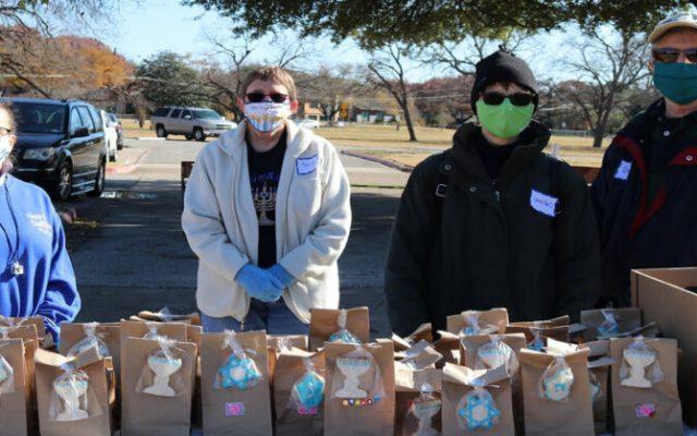 Hanukkah gift bags and volunteers 12 12 2020