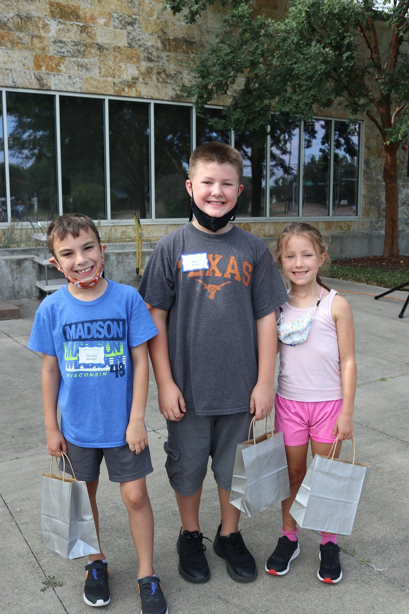 RS 9 19 children smiling